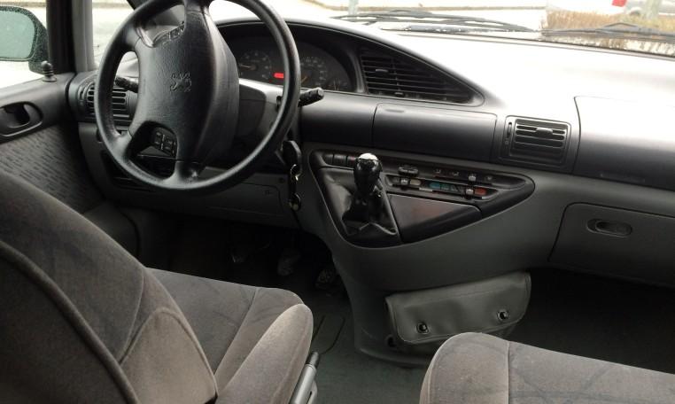 Peugeot 806 1 9 td st achat et vente de voiture d for Peugeot 806 interieur